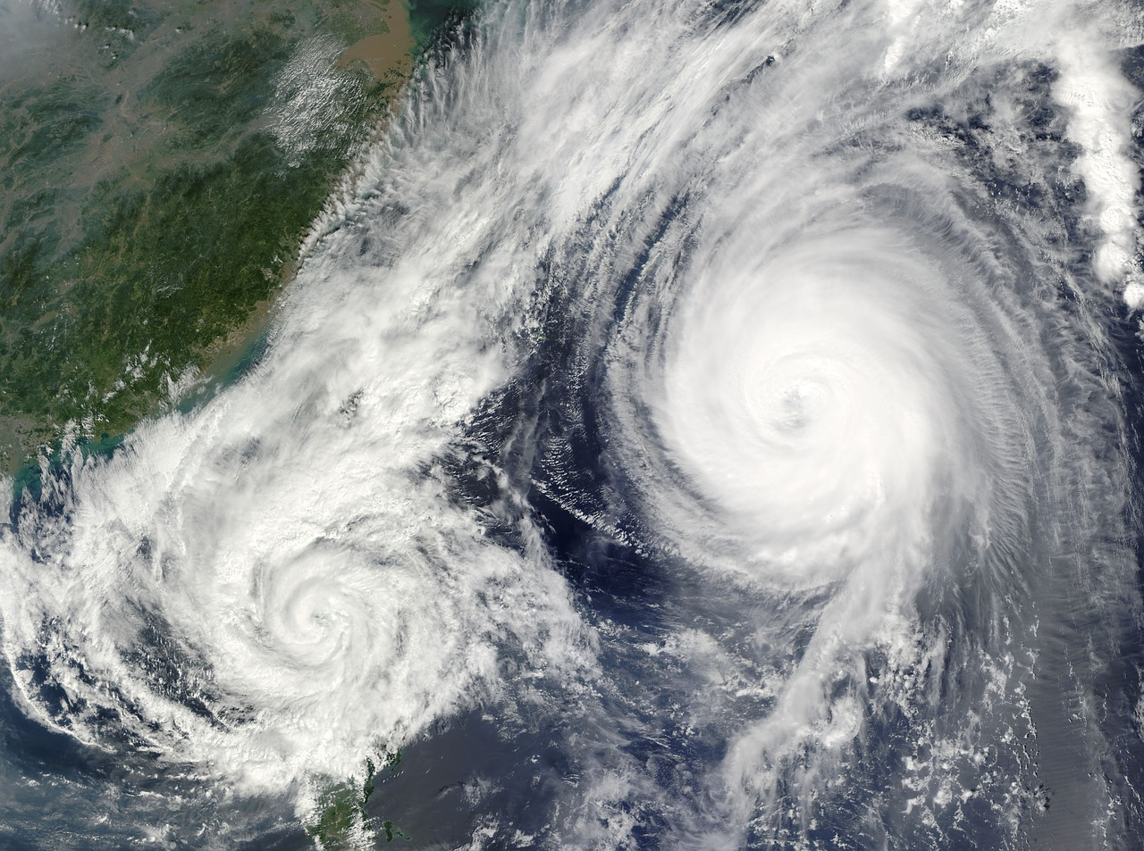 Hurricane information and facts for kids